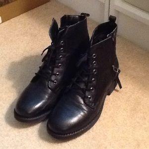 """STEVE MADDEN """"Madden Girl"""" black ankle boots"""